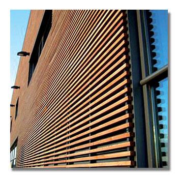 Fassadenreinigung von Holzfassade in Innsbruck