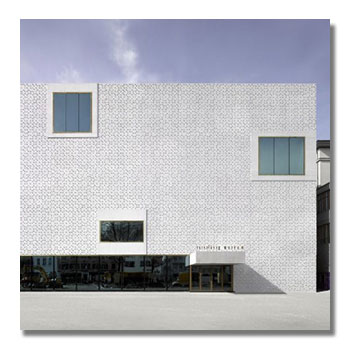 Fassadenreinigung von Kunststoff-Fassade in Innsbruck